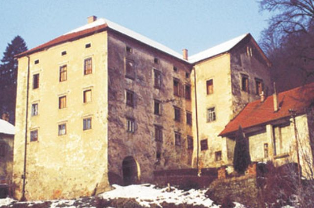 Dvorec Strmol nekoč